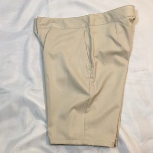 Nice Beige Khaki Under Armour Shorts! Size 2